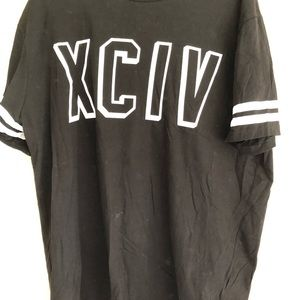 H&M graphic design classic casual T-shirt XL